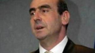 Ο σκαφάτος υπουργός (από GATZMAN, 06/10/08)