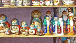 Ρωσίδες κούκλες, αζήτητες,  στα ράφια μας. (από Vrastaman, 30/10/08)