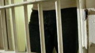 Τα σίδερα της φυλακής...είναι για τους λεβέντες (από GATZMAN, 28/12/08)