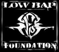 To έμβλημα της σκηνής low bap (από Vrastaman, 14/12/08)