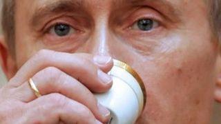 Πίνει καφέ ο Πουτινιάρης! Στην πούτσα του κι η οικονομική κρίση! (από Hank, 17/01/09)