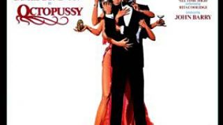 Ο 007 με μια χταποδιάρα από το Khanέικο... (από Hank, 14/01/09)
