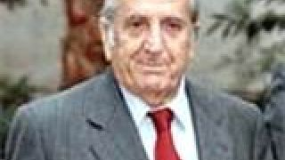 Ευάγγελος Γιαννόπουλος:Νενέκοι,σαλτιμπάγκοι,τενεκέδες ξεγάνωτοι (από GATZMAN, 16/02/09)