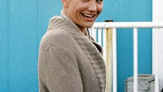 Η Κάμερον Ντιάζ με κούρεμα α λα Γιούλ Μπρίνερ (από GATZMAN, 15/02/09)