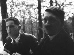 ο Χίτλερ με τον αγαπημένο του Πούτσι (από Vrastaman, 06/02/09)