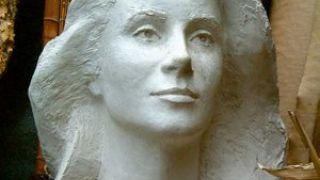 Κλασικό Λιλιάν, εκ Catherine Deneuve. (από Hank, 27/02/09)