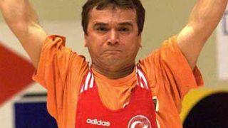 Νaim Suleymanoglou (147cm): Αν σας πιάσει στα χέρια του, ποιός σας γλιτώνει. (από allivegp, 15/08/09)