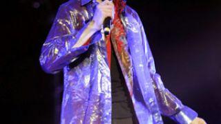 Γύνανδρο look είχε αναπτύξει προς το τέλος της καριέρας του και ο M. Jackson (από allivegp, 08/08/09)