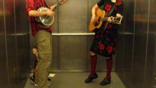 υπάρχει και λατέρνατιβ... (από BuBis, 13/09/09)