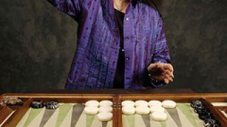 oπαδός του K\'ung-fu-tzu, εξασκείται σε διπλές και ντόρτια... (από BuBis, 30/09/09)