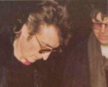Η στερνή υπογραφή του Lennon (από Vrastaman, 05/10/09)