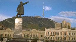 Ο Λένιν μουτζώνει την Τυφλίδα... (από HODJAS, 22/02/10)