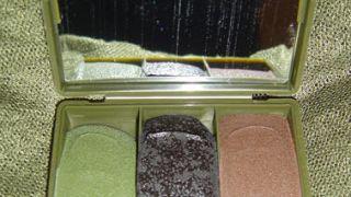 Κασετίνα με τρία βασικά χρώματα. (από patsis, 25/04/10)