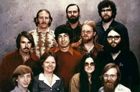 Στην άκρη αριστερά ο Bill Gates (από Vrastaman, 02/05/10)