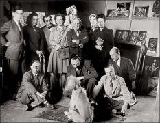 Στην άκρη της φωτογραφίας ο Lacan, στο κέντρο οι γαμιάδες της παρέας Picasso και Camus (από Khan, 02/05/10)