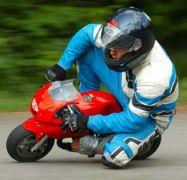 Σε πίστες mini bikes μπορουν να το κάνουν και οι κοινοί θνητοί (από Vrastaman, 14/07/10)