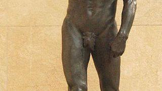 Μάνα των μπιλντεριών ο άι-Γιάννjης ο Βαπτιστής. Τυχαίο; Εδώ του Auguste Rodin. (από Khan, 11/11/10)