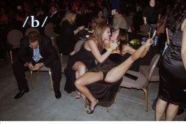 Από την χοροεσπερίδα του συλλόγου τουκανιστών. Μυδασίστ: Ίων. (από Khan, 15/11/10)