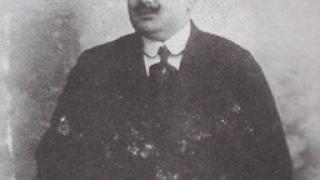 Ο Αγάπιος Τομπούλης (Πόλη 1885 - Αθήνα 1965) έπαιζε ούτι στην αυλή του Πατισάχ (από HODJAS, 09/12/10)