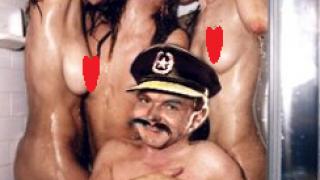 Κελαηδάει στο μπάνιο!! (από sstteffannoss, 02/04/11)