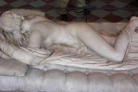 Πεομούνα άλλου είδους (Λούβρο) (από Vrastaman, 02/08/11)