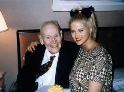 Ο Τζέιμς Χάουαρντ μετά της συζύγου Άννα Νικόλ. (από joe909, 28/09/11)