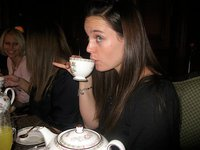drinking tea with pinky finger (από crystal_k, 29/11/11)