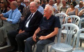 Στην κηδεία του Λ. Κύρκου (από Vrastaman, 27/01/12)