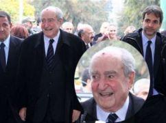 Στην κηδεία του Ι. Κεφαλογιάννη (από Vrastaman, 27/01/12)