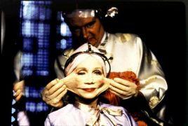 Γλείφτινγκ από την ταινία Brazil του Terry Gilliam. (από Khan, 03/12/12)