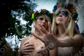 Femen-ίστριες ονείρωξη! (από Khan, 10/01/13)