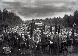 Άσκηση στο Λένινγκραντ το 1937. Μπροστά τους είμαστε γατάκια. (από Khan, 29/04/13)