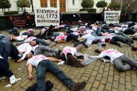 Κι άλλοι χιπυστερικοί (μη-)διαδηλωτές (από Khan, 27/12/13)