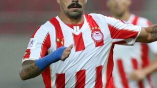 Ο Μασάντο του Ολυμπιακού. Ερίζουν οι γνώμες αν το μουστάκι του είναι ειλικρινές ή ειρωνικό τ. βίντατζ. (από Khan, 20/03/14)