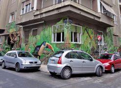 Η διάσημη street art με το τουκάν στην οδό Σολωμού στα Εξάρχεια. (από Khan, 13/04/14)