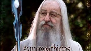 """Ο Παναγριότατος Σαρουμάνθιμος απειλεί """"θα γίνει της Μόρντορ"""". (από Khan, 12/05/14)"""