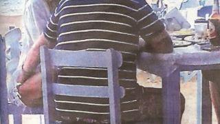 Ο Μιλφιάδης Βαρβιτσιώτης χουφτώνει την Χριστίνα Παππά (από σφυρίζων, 24/06/14)