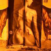 Street art στο θέατρο Εμπρός, Ψυρρή. (από Khan, 26/07/14)