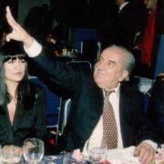 Επίσης παράδειγμα γεροξούρα κατά τον Mikeius ο Ευάγγελος Γιαννόπουλος. (από Khan, 16/01/15)