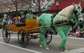 Πράσινο άλογο κατά την ημέρα του αγίου Πατρικίου στην Ιρλανδία (από Khan, 16/03/15)