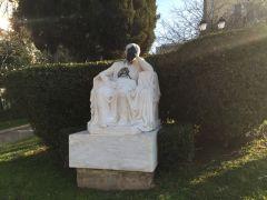 Ινσέψιο: Η αδιαφορία των υπευθύνων για τη βεβήλωση του αγάλματος του Κωστή Παλαμά. (από Khan, 19/03/15)