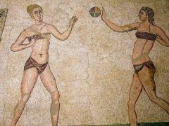 φινετσάτες Ρωμαίες μετά από treatment με είδη πουτανικής