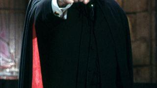 Ινσέψιο: ο δράκουλας έθαψε και τον Δράκουλα. RIP Christopher Lee