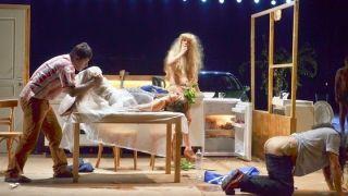 Σκηνή από το αρρωστούργημα της Λένας Kitshοπούλου με θέμα τον Αθανάσιο Διάκο