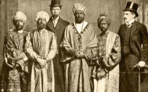 Το «μπούγκα-μπούγκα» πρωτοακούστηκε στις αρχές του 20ου αιώνα, σε μια από τις διασημότερες φάρσες όλων των εποχών