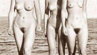 Η Μέρκελ γυμνόστηθη (χαζοτουκάν;) σε παλιά φωτογραφία