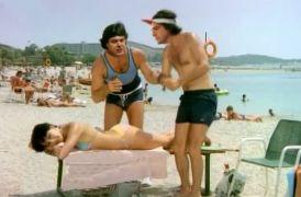 Σε είδα στη Νίσυρο ένα καλοκαίρι. Έτρωγες τυρόπιττα κ έπινες Μίλκο. Έστηνα ομπρέλα και διάβαζα Οδηγητή. Σε είπα μπούλη, με είπες σύντροφε